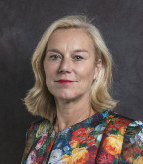 portrait photo Dutch minister for Foreign Trade and Ec. Development Collaboration